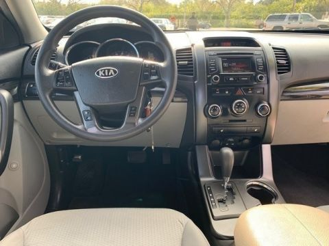 Pre-Owned 2013 Kia Sorento LX w/Convenience Package